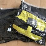 かさばるレインウェアは衣類圧縮袋でコンパクトに持ち出す